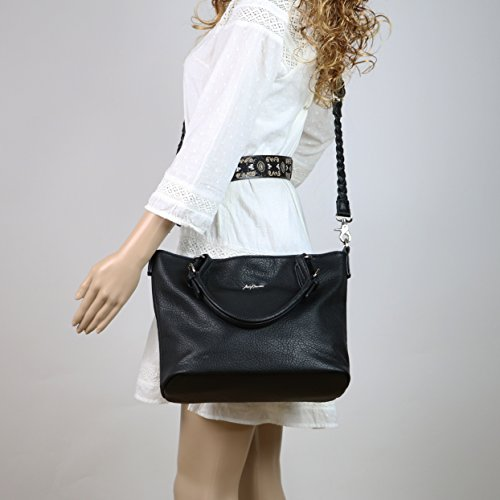 large or small concealed carry purse storage space comfortable and durable