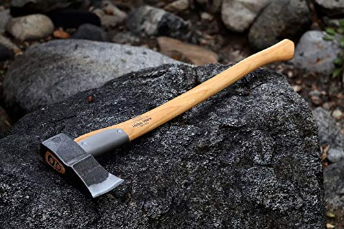 Helko Werk Saxon Splitter wedge shaped blade and long handle for powerful strikes