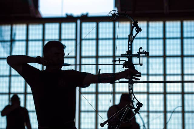 How to shoot a compound bow proper stance right angles