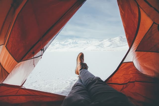Why is it important to know how to heat a tent without electricity