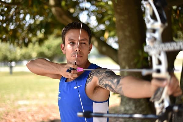 Compound bows vs recurve bows advantages disadvantages comparison